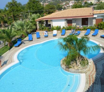 Appartamenti vista piscina in dependance a 250 mt