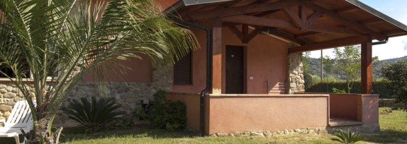 External villas 1km from the village