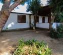 External villas 1km from the village